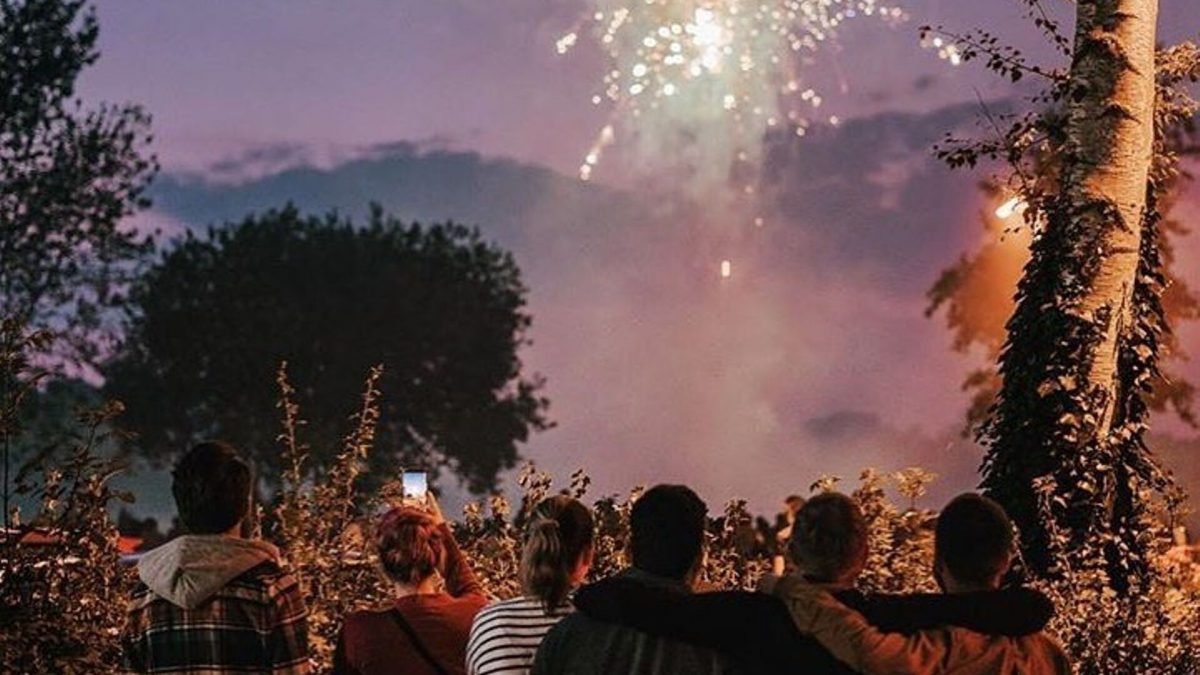 Bonfire Night at The Red Lion Hunningham